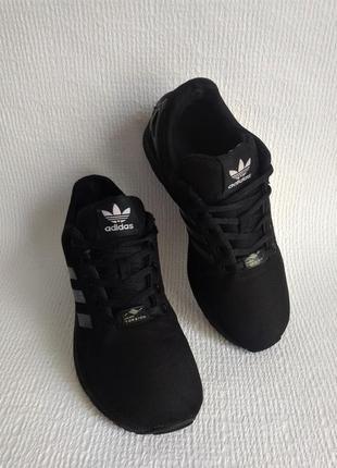 Adidas оригинальные кроссовки 38