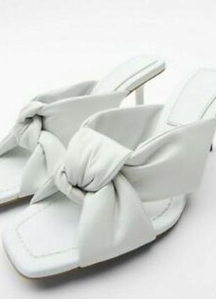Белые кожаные босоножки/мюли,шлепанцы zara.