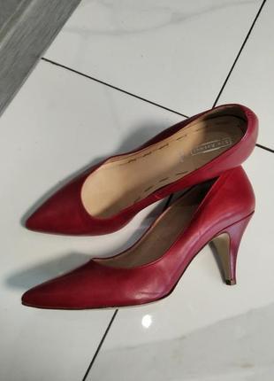 Шкіряні туфлі лодочки