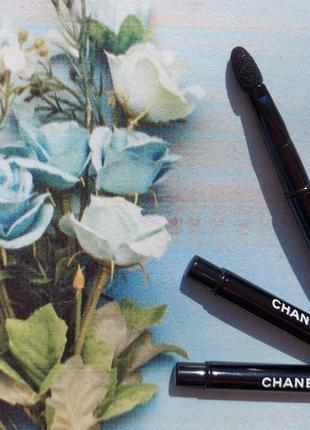 Chanel складной аппликатор для теней