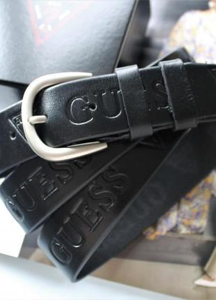 Модный чёрный кожаный ремень