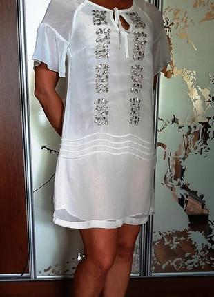 Красивейшее белое шифоновое платье