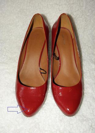 Лаковые красные туфли на удобном низком каблучке от h&m