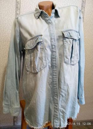 Джинсовая рубашка. на кнопках.
