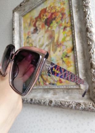 Эксклюзивные солнцезащитные женские очки в серой прозрачной оправе-очень изысканно!
