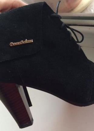 Осенние ботинки/новые замшевые ботильоны на каблуке/замшевые ботинки donna balizza