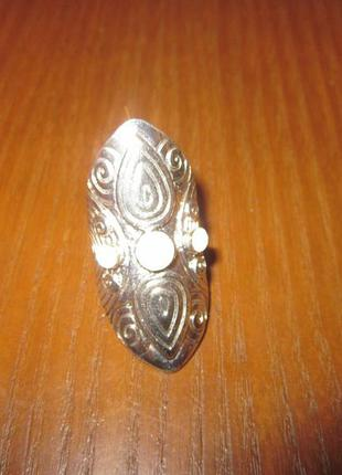 Симпатичное кольцо размер 15.5-16