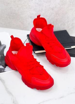 Топовые молодежные кроссовки под бренд красного цвета
