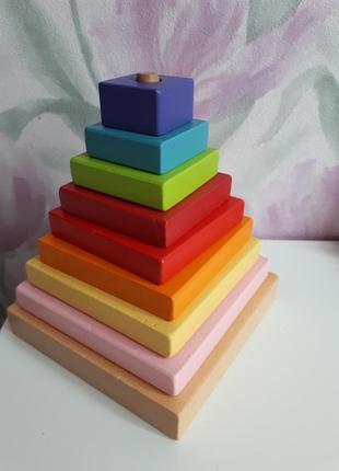 Деревянные пирамидка