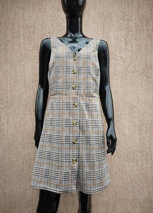 Трикотажное платье сарафан в клетку на пуговицах new look