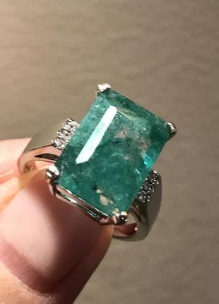 Кольцо серебро с натуральным изумрудом
