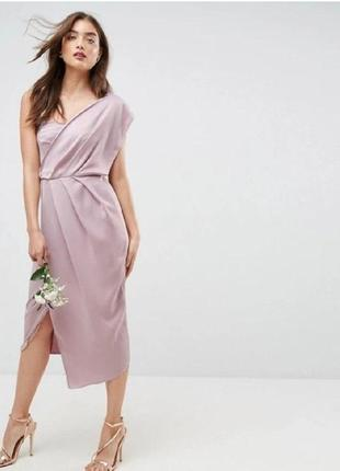 Розовое атласное миди платье