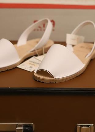 Кожаные сандалии размер 36 oysho