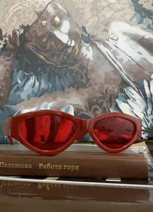 Красные очки