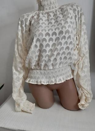 Очень красивая блузка белого молочного цвета то размер s- l