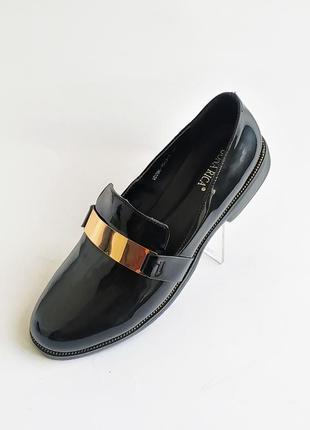 Туфли новые  польша  размер 36; 37