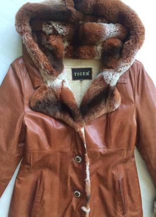 Обалденное кожаное пальто на овчине. дубленка.