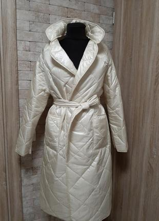 Стёганое пальто демисезонное