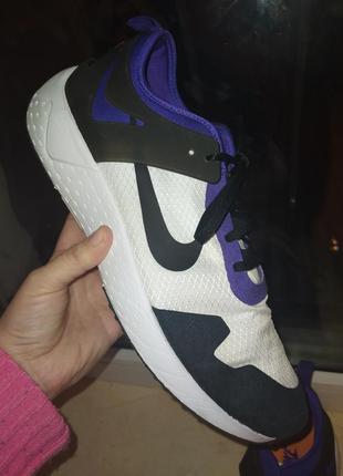 Оригінальні кросівки nike air