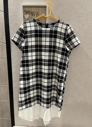 Базовое черно белое клетчатое мини платье в клетку