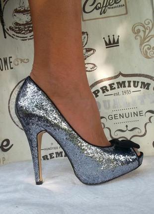 Безумно красивые туфли в мелких паетках с открытым пальчиком, 38 размер