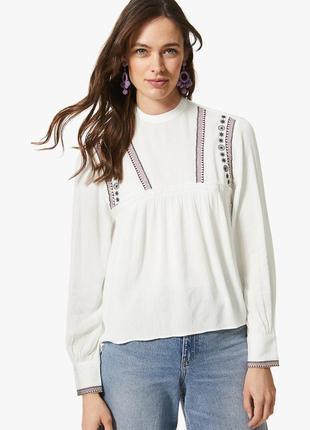 Красива блуза з вишивкою від  mark&spencer