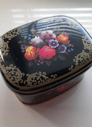 Жёстяная коробочка, баночка из-под чая