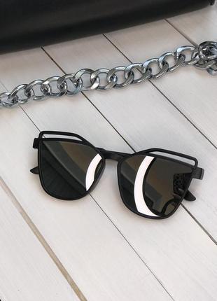 Новые зеркальные солнцезащитные очки