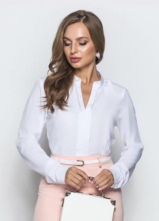 Идеальная классическая блузка убаюкался белая для офиса в деловом стиле с длинным рукавом