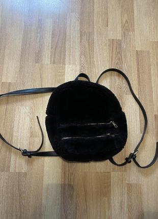 Пушистый рюкзак