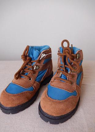 Кожаные демисезонные ботинки boni 28 размер новые  с этикетками. по стельке 15.5 см.