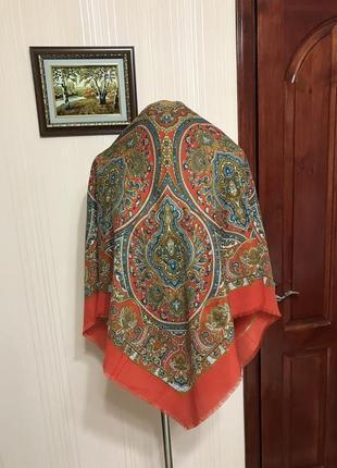 Красивый платок в большом размере,италия