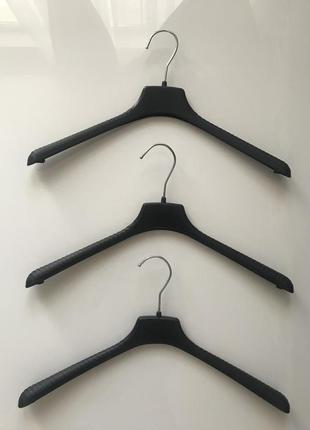 Плечики тремпели вешалки для одежды, цена одного тремпеля 7 грн.