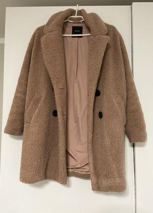 Тёплое пальто oversize bershka
