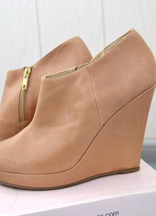 Стильные мягенькие кожаные рыжие ботинки ботильоны