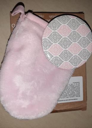 Нежный набор для лица - перчатка для снятия макияжа и зеркало ив роше