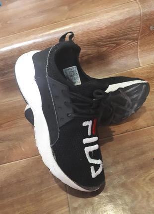 Легенькі кроси кросівки красовки