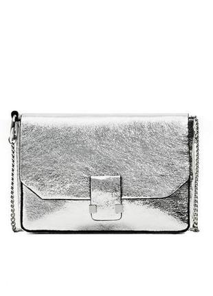 Нереально модная серебристая серебряная сумка zara кросс-боди на цепочке через плечо