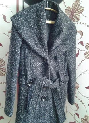 Женское пальто,на синтепоне, темно- серая кашка, италия.