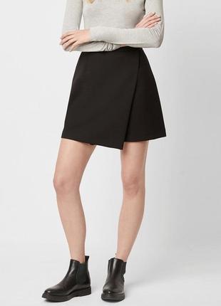 Чёрная юбка на запах atmosphere