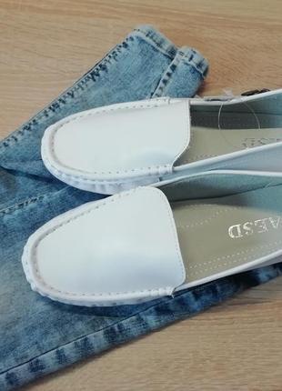 Кожаные туфли, белые макасины, ботинки, лофферы, базовые туфли ,