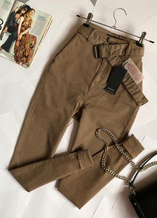Новые обалденные джинсы с очень высокой посадкой/поясом reserved