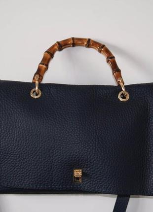 Стильная ,качественная ,кожаная сумка plinio visona
