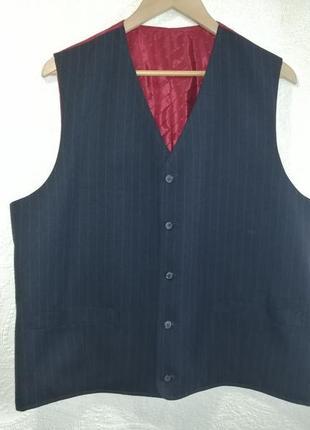 Костюмная жилетка из шерсти и шелка от бренда giorgio armani