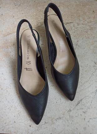 Кожаные туфли tamaris 26см стелька
