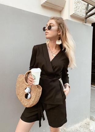 Черный льняной костюм рубашки и шорты