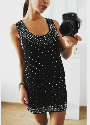 Черное платье прямого кроя вышитое бусинками 289 грн!!размер с-м(10)!