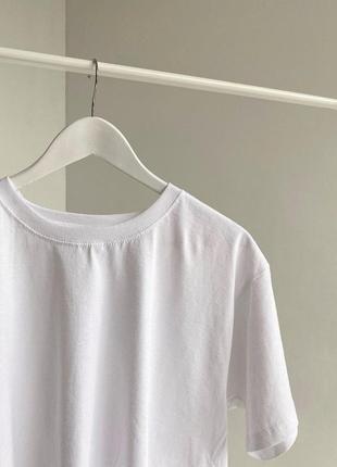 Базовая белая однотонная футболка