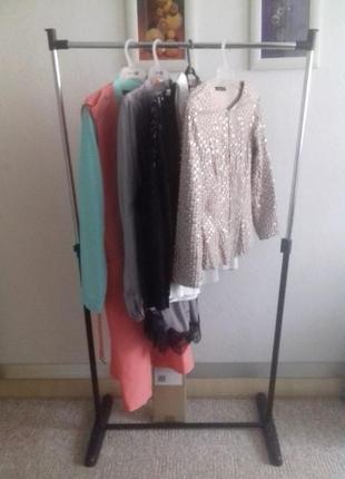 Вешалка -кронштейн для одежды