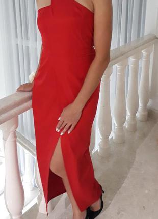 Червоне плаття